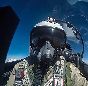 KF GS Сu-30 iznīcinātāja pilots