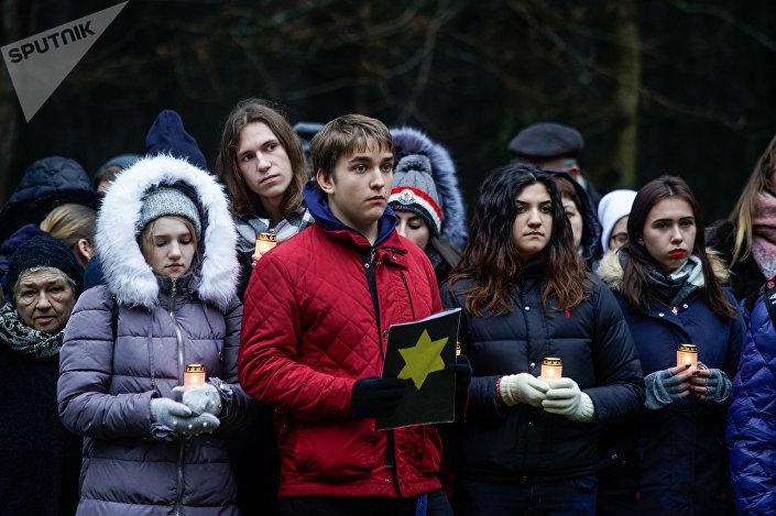 Памятный митинг в Румбуле, посвященный годовщине уничтожения Рижского гетто