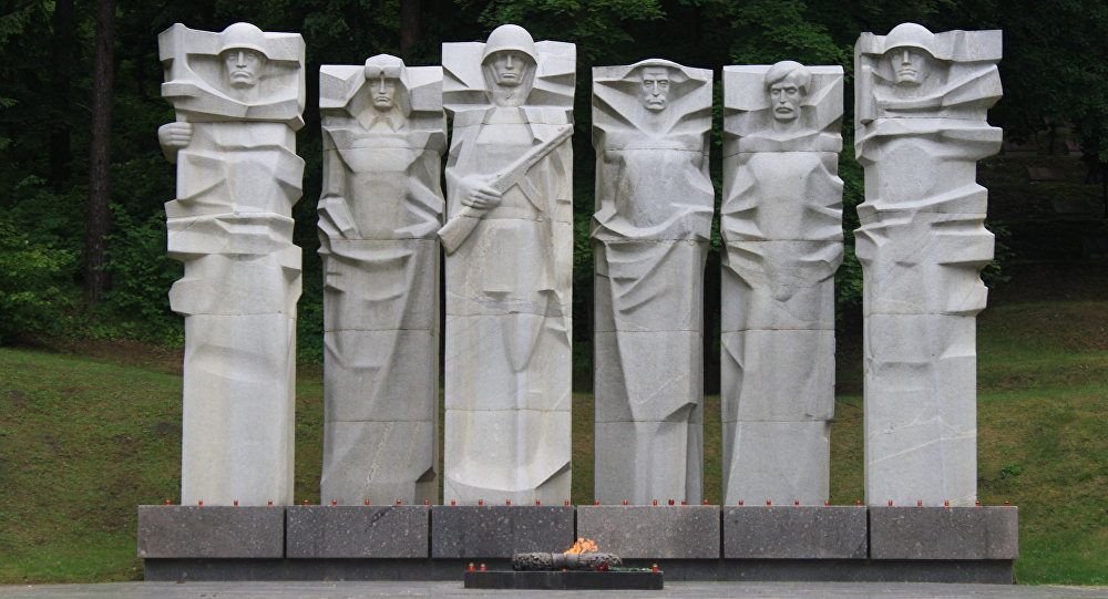 ВЛитве хотят устроить ревизию могил советских солдат
