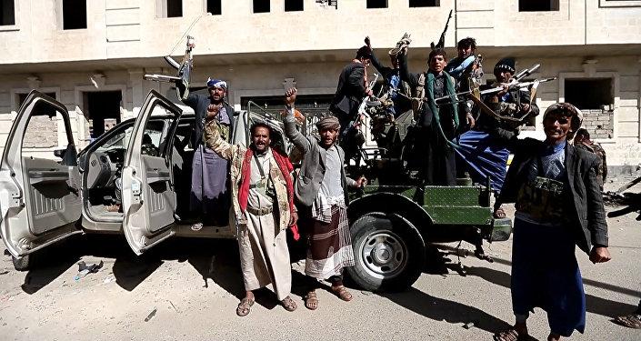 Хуситы на улицах Саны после смерти Салеха