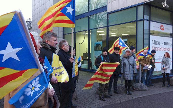 В Таллине прошел митинг в поддержку независимости Каталонии