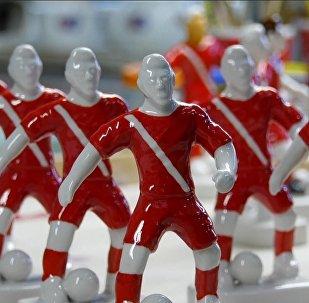 Фарфоровые фигурки футболистов сборных ЧМ-2018 по футболу выпускают в России