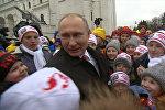 Дети расспросили Путина о дне рождении, отношении к оппозиции и Деде Морозе