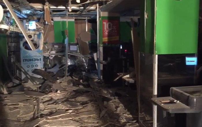 В Петербурге прогремел взрыв в магазине, сообщил источник
