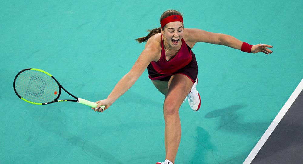 Серена Уильямс проиграла Елене Остапенко впервом матче за11 месяцев