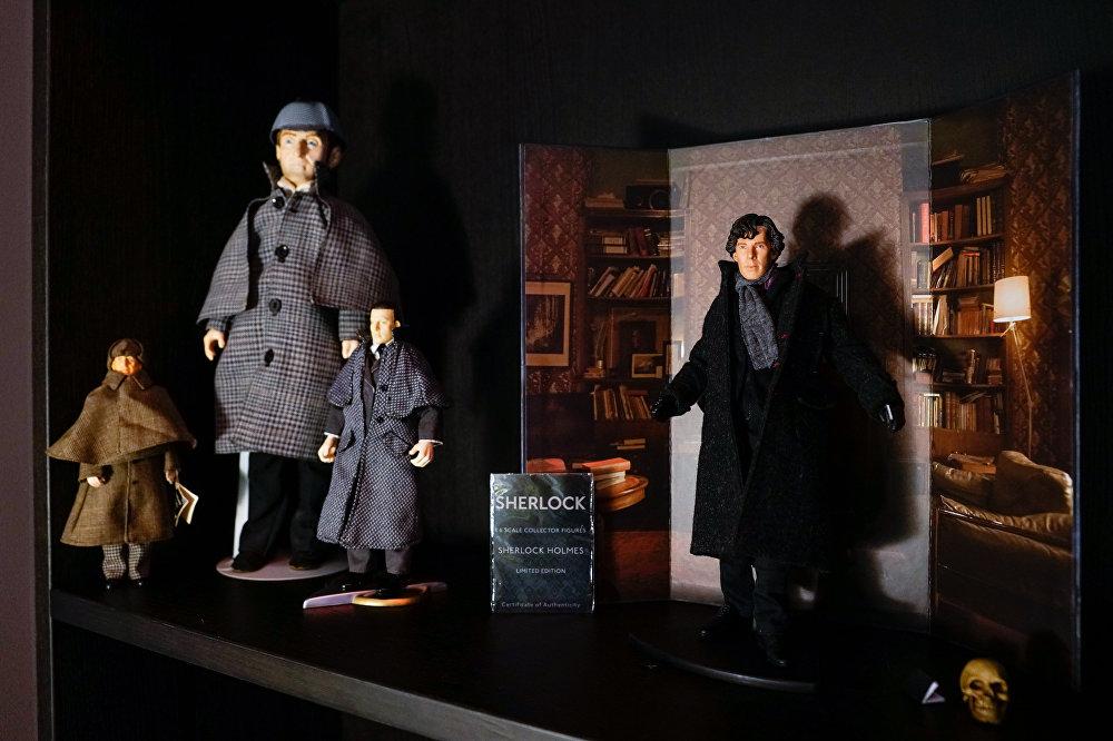 Šerloka Holmsa istabas ekspozīcija no BBC seriāla Šerloks viesnīcā Pullman Riga Old Town
