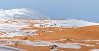Sniega un smilšu maisījums: Sahārā otru gadu pēc kārtas izkrituši ziemas nokrišņi