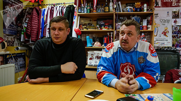 Болельщики  ХК Динамо (Рига) решили поддержать ведьмака Юрчика и саботируют домашние игры своей команды