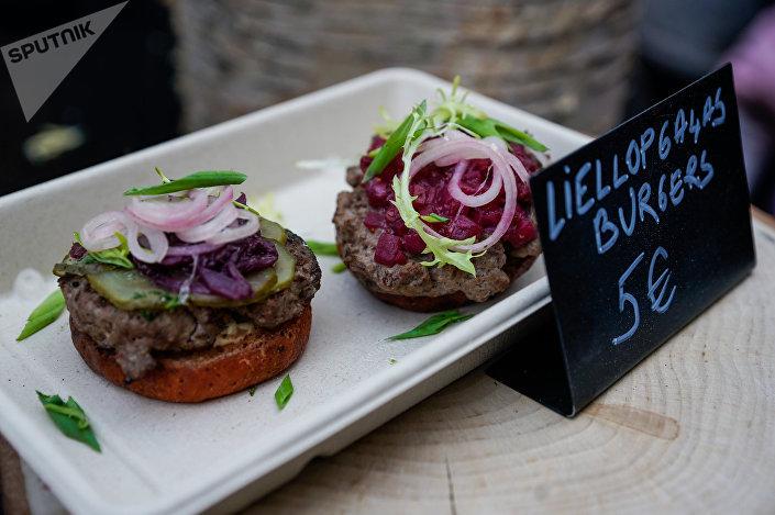 Бургер из говядины - не только вкусно, но и красиво