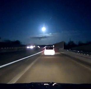 ASV meteora kritienu piefiksēja automobiļa reģistrators