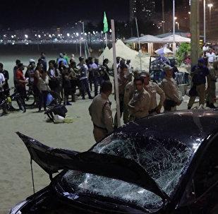В Рио-де-Жанейро автомобиль въехал в толпу людей