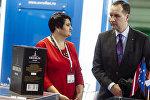 Генеральный директор компании Arsanda Сандра Мушка и посол Латвии в России Марис Риекстиньш