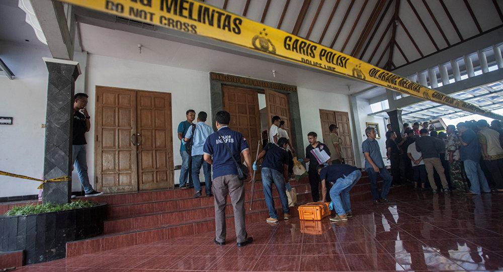 Indonēzijā students ar mačeti uzbrucis katoļu baznīcas draudzei