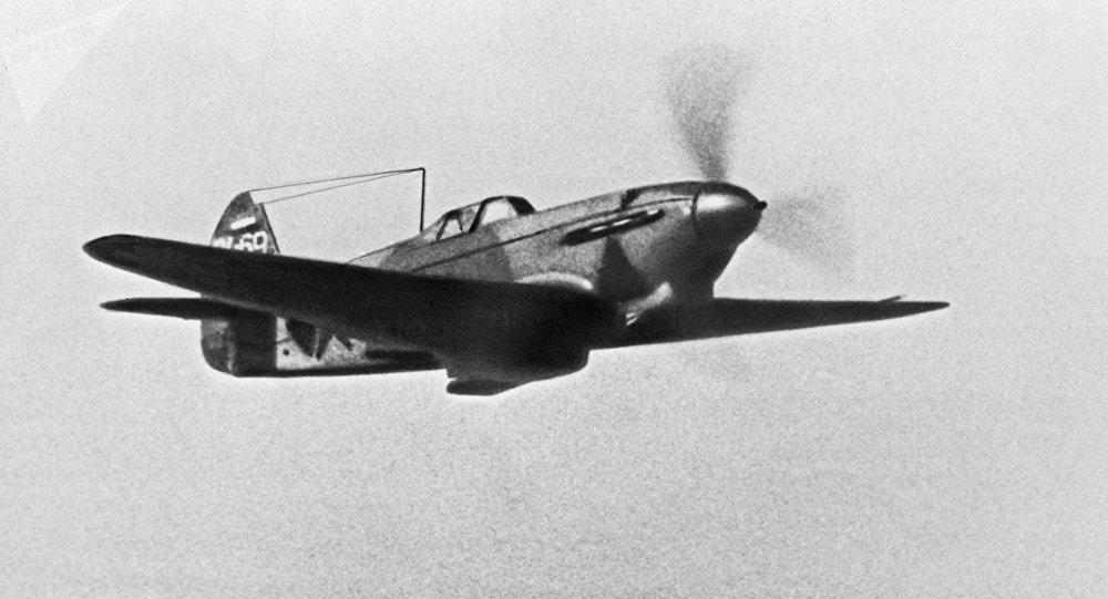 Самолет - истребитель ЯК-7