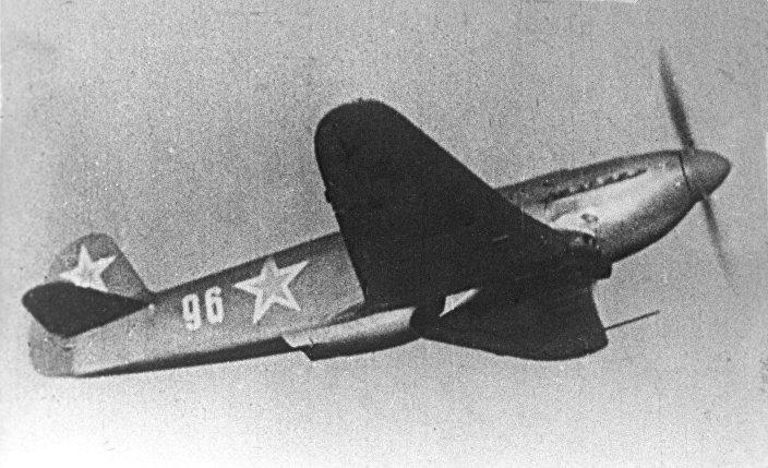 Авиация Великой Отечественной войны 1941-1945 годов. Истребитель Як-7Б в полете