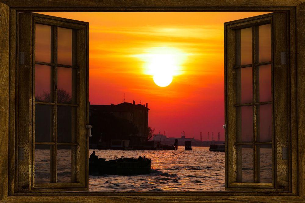 Вид из окна на Венецию