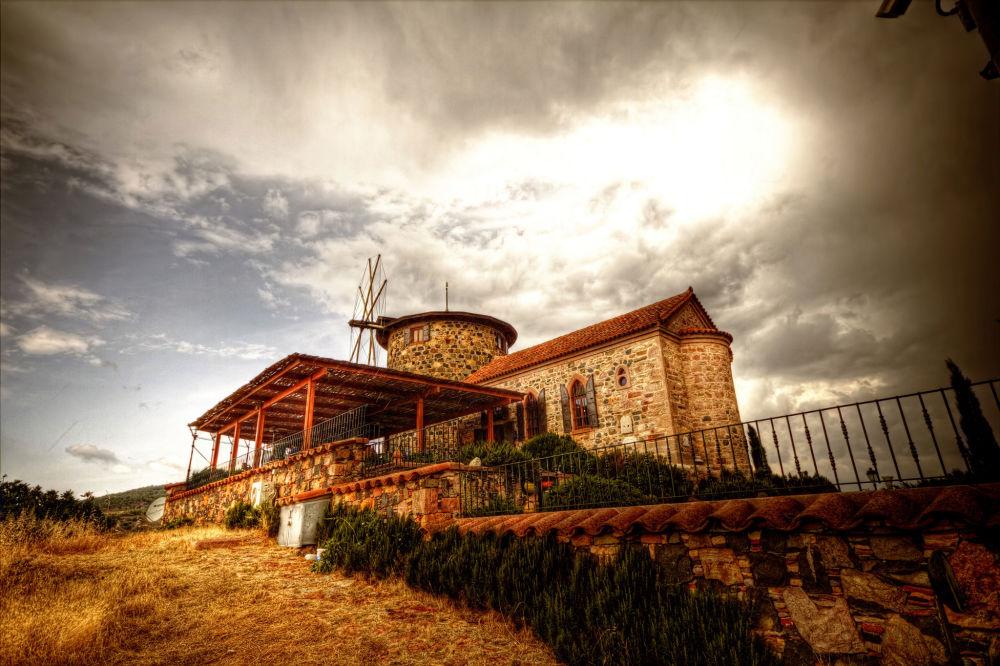 Здание на острове Кунда в Турции