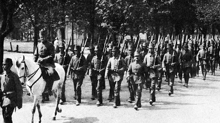 Батальон егерей на параде в Лиепае, лето 1917