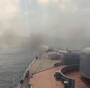 Lielais pretzemūdeņu kuģis Admiral Vinogradov mācībās Japāņu jūrā