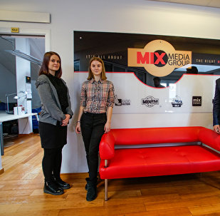 Карина, София и Артем в День теней побывали на радиостанции MixFM