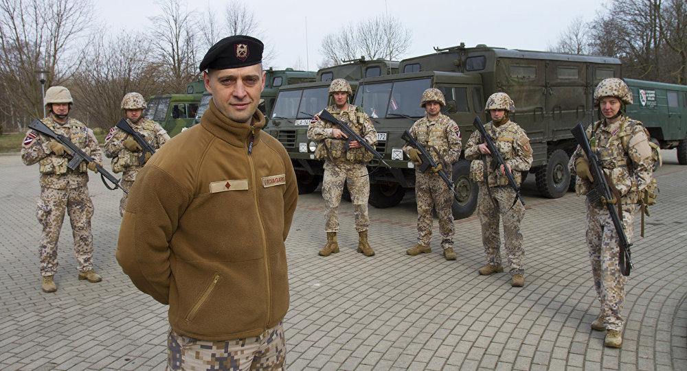 Latvijas karavīri. Foto no arhīva