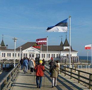 Флаги стран Балтии на променаде