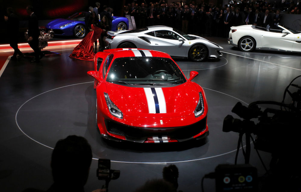 Презентация автомобиля Ferrari 488 Pista на автосалоне Geneva International Motor Show 2018 в Женеве, Швейцария