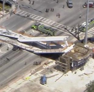 Обрушение моста во Флориде