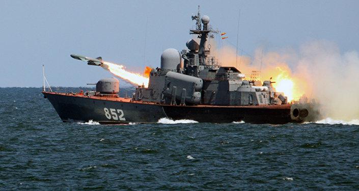 Тактические учения кораблей Балтийского флота