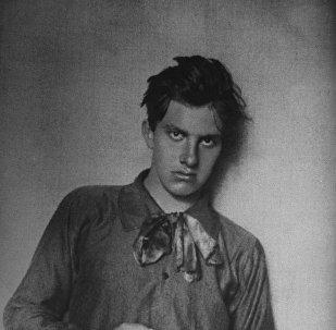 Русский советский поэт Владимир Владимирович Маяковский