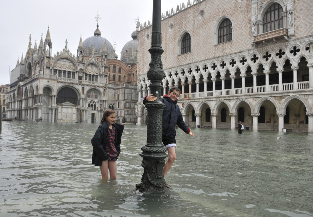 Applūdušais Sv.Marka laukums Venēcijā
