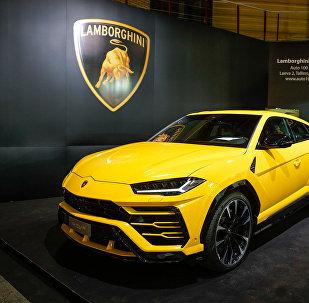 Самый быстрый кроссовер в мире Lamborghini Urus