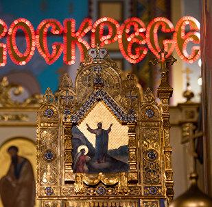 Митрополит Рижский и всея Латвии Александр совершил крестный ход, Светлую пасхальную заутреню и Божественную литургию в кафедральном соборе Рождества Христова города Риги