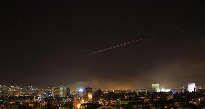 Зенитный огонь над Дамаском, Сирия. 14 апреля 2018 г.
