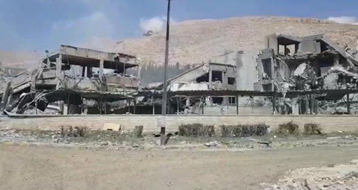 Подвергшийся ракетному удару исследовательский центр Барза в Дамаске