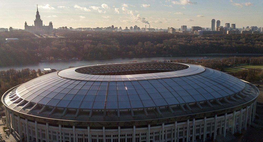 Большая спортивная арена Лужники в Москве.