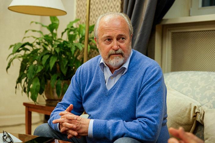 Кинорежиссер  Владимир Хотиненко