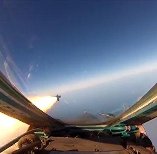 Krievijas AM demonstrējusi gaisa kauju no iznīcinātāja Su-27 kabīnes