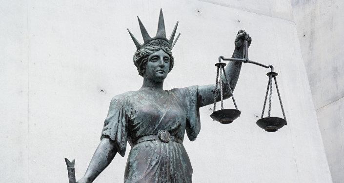 Taisnās tiesas dieviete Temīda