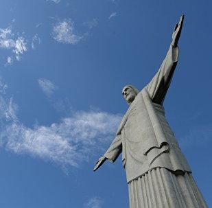 Kristus Pestītāja (Cristo Redentor) statuja Korkovado kalnā Riodežaneiro