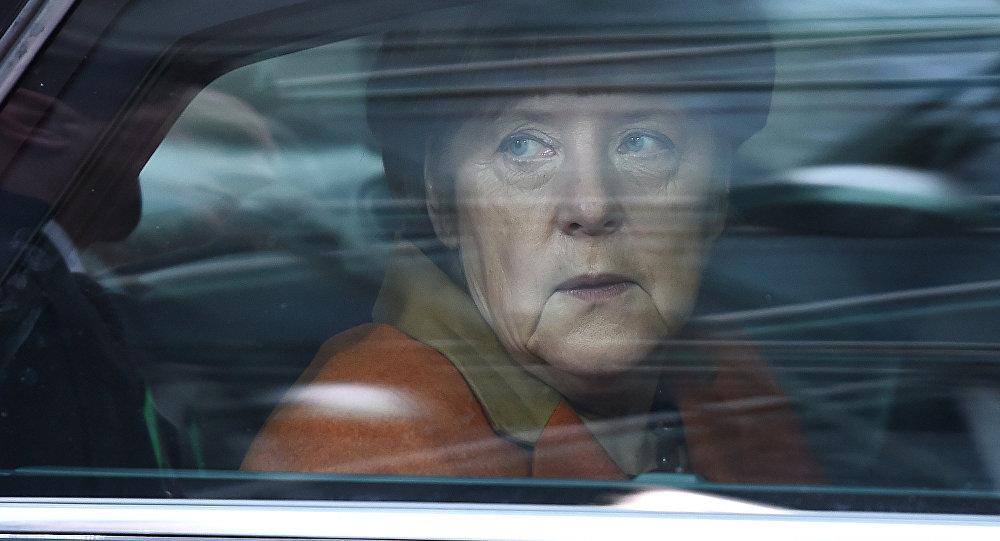 Меркель иМакрон решили припомнить осебе нафоне украинского обмена пленными