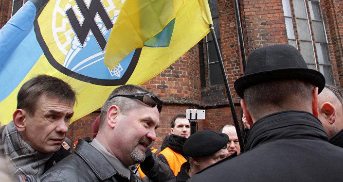 Pat latviešu nacionālistiem nācās sarkt par ukraiņu radikāļiem